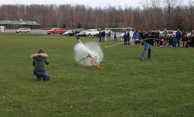 Water rockets are an excellent educationnal tool for demonstrating Newton's third law.